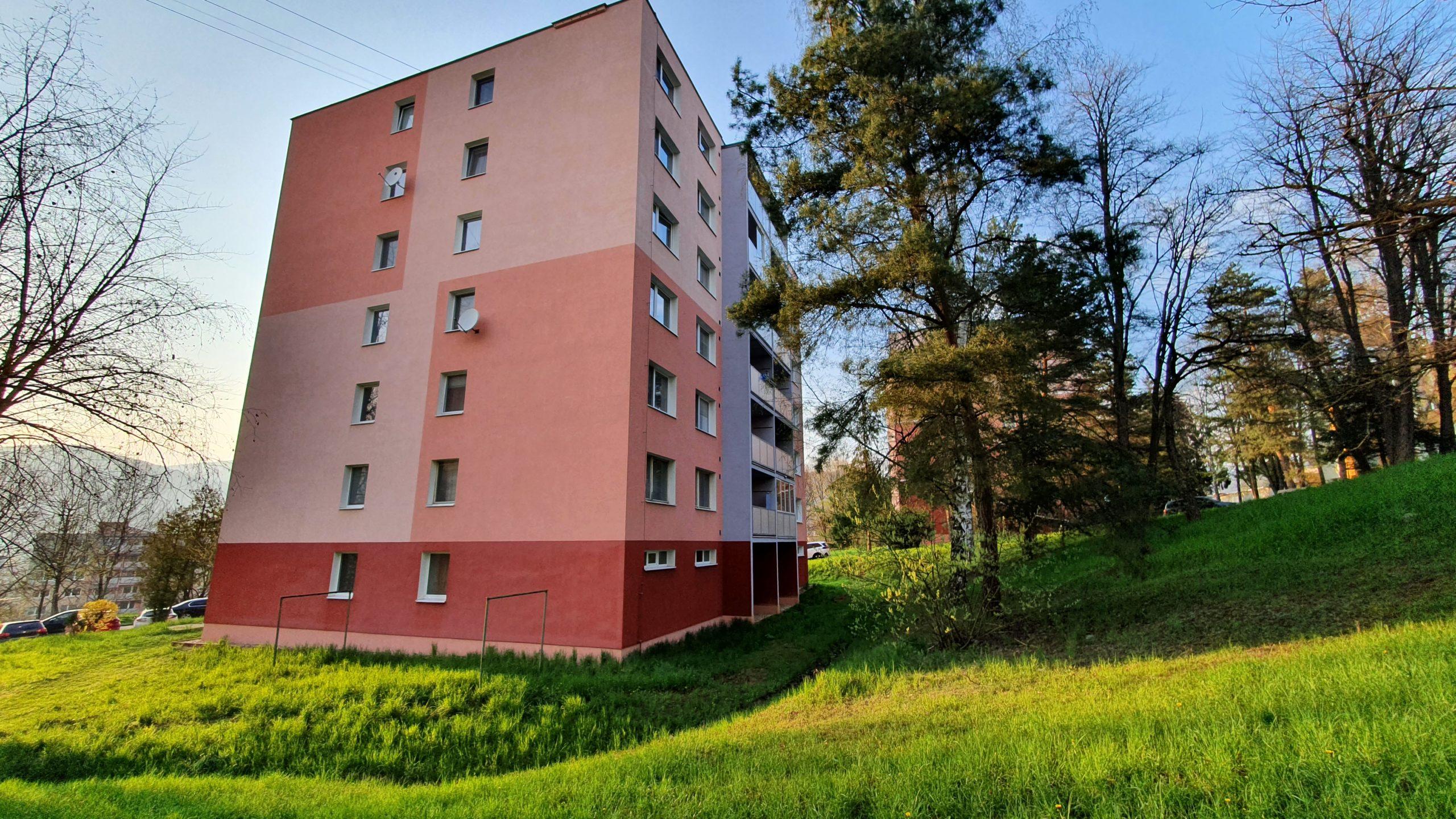 BYT 3+1 balkón 75M2 Slnečná ROŽŇAVA – iba v našej ponuke